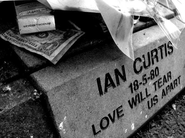 ian-curtis-2 (1)